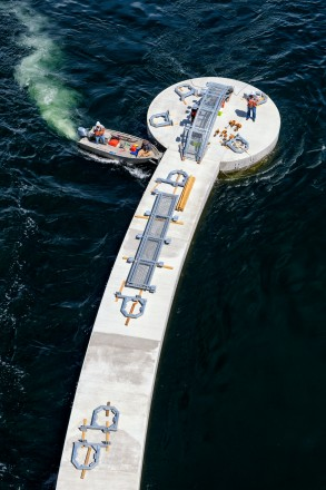 Meydenbauer Bay Park dock installation in Bellevue, WA